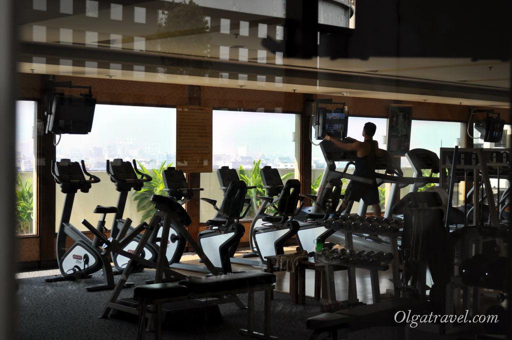 Хороший спорт зал - стоимость финес дня 500 бат