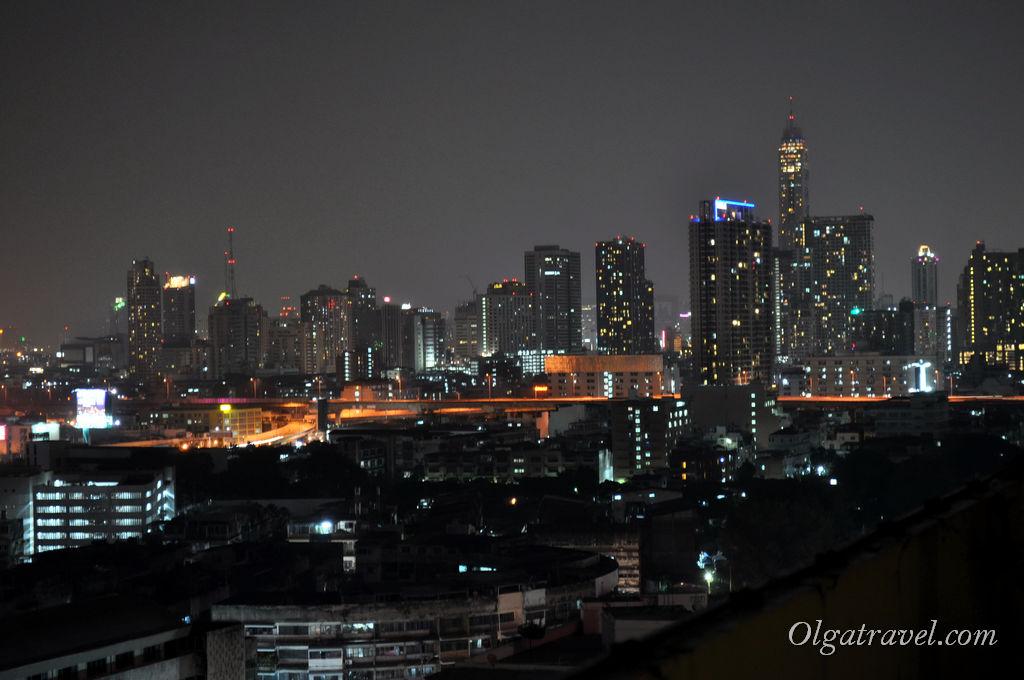 Вечерний Бангкок - вид из отеля Prince Palace