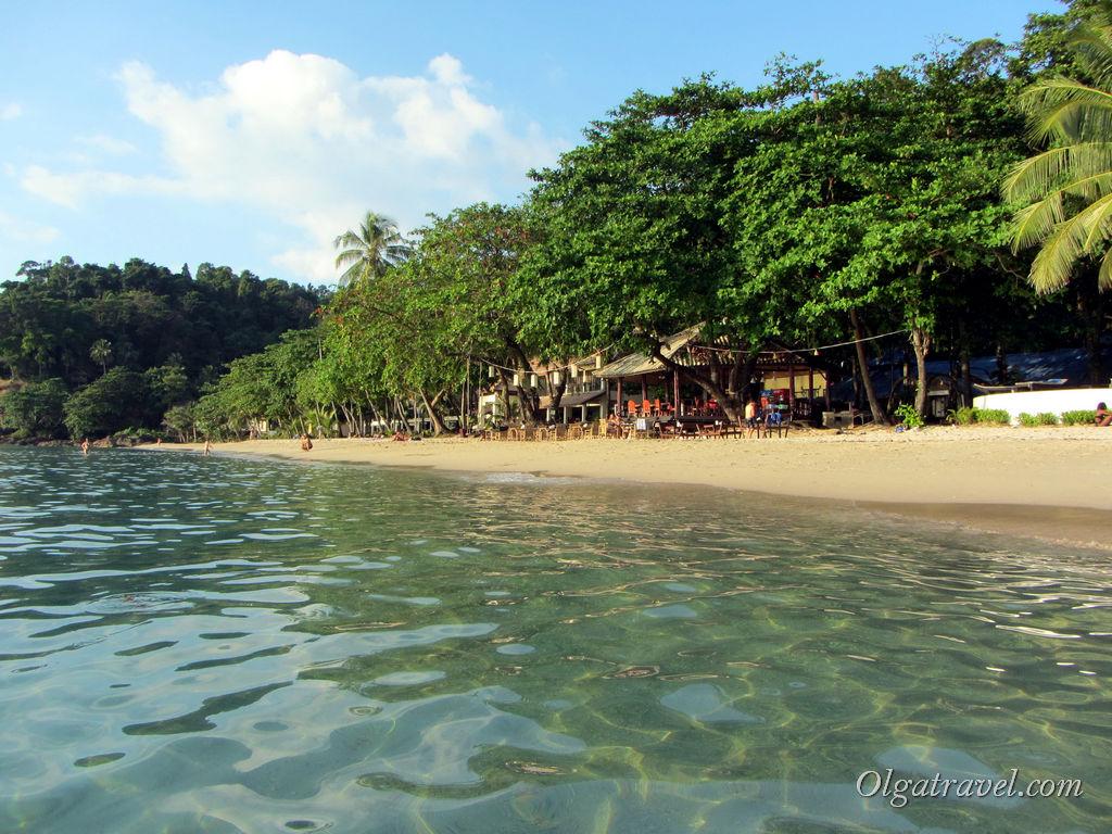 Вид на пляж Лонли бич возле отеля Siam Beach с моря