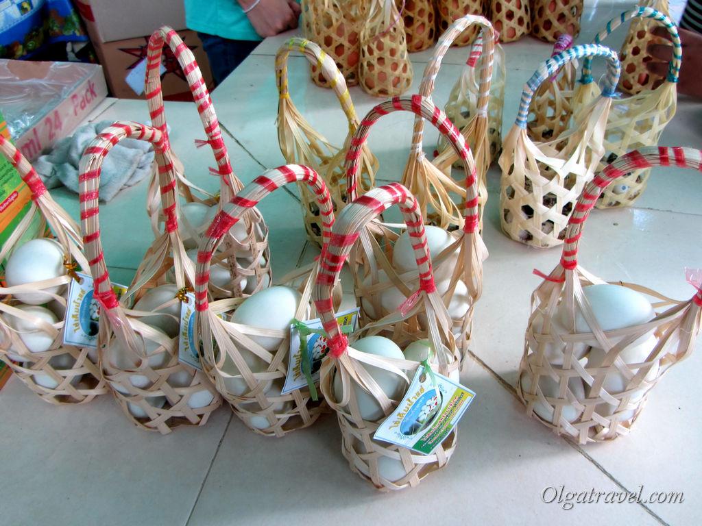 Корзиночки с яйцами за 20-40 бат