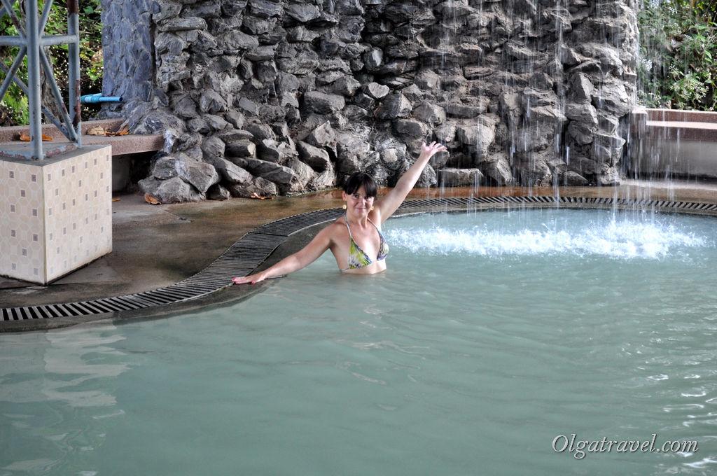Горячие бассейны с минеральной водой возле Чианг Мая