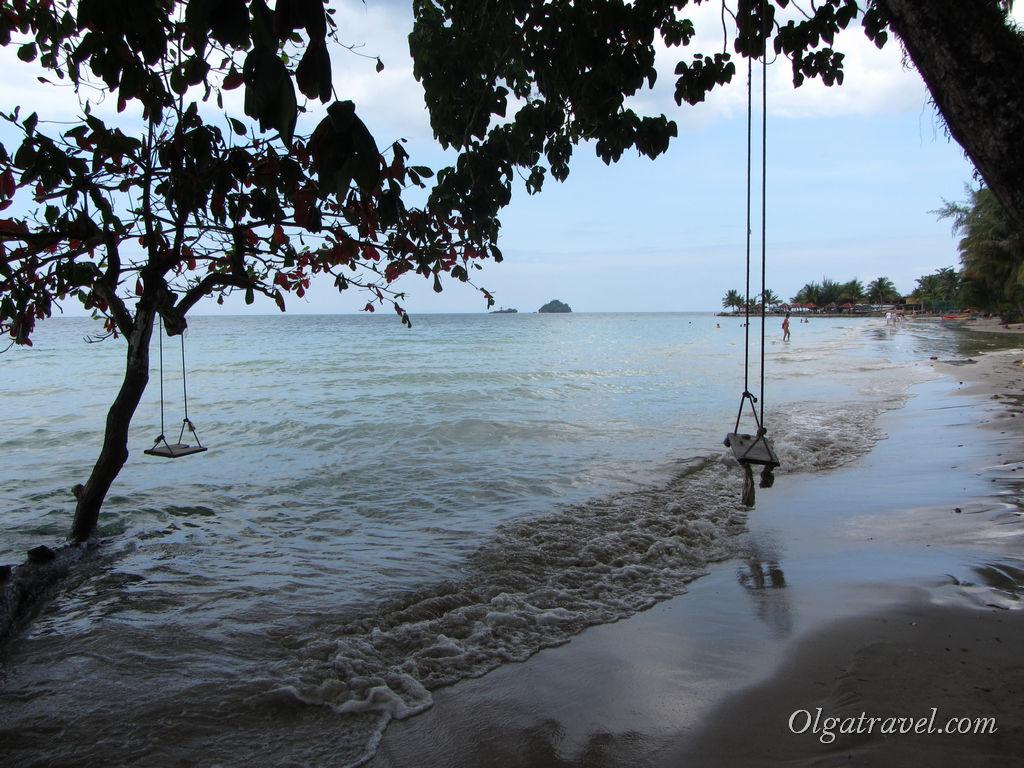 Пляж Кай Бей в пасмурную погоду