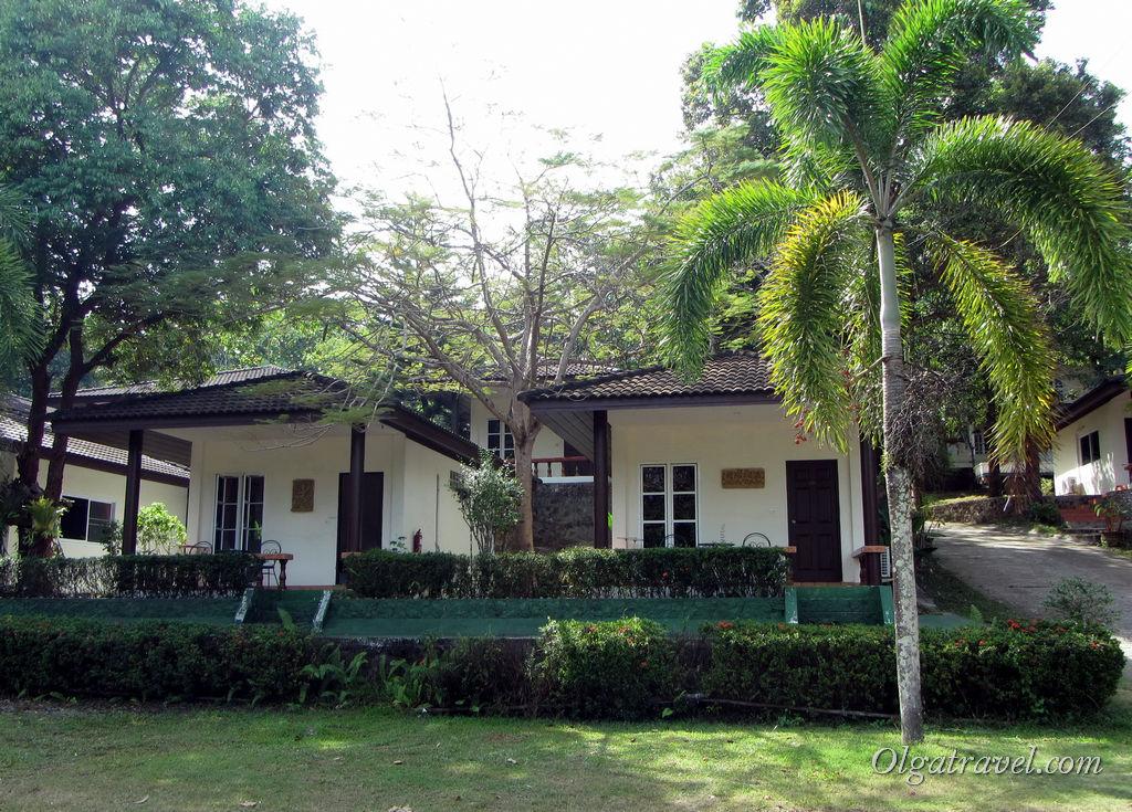Домики отеля с бассейном Ко Чанг Марина Ресорт