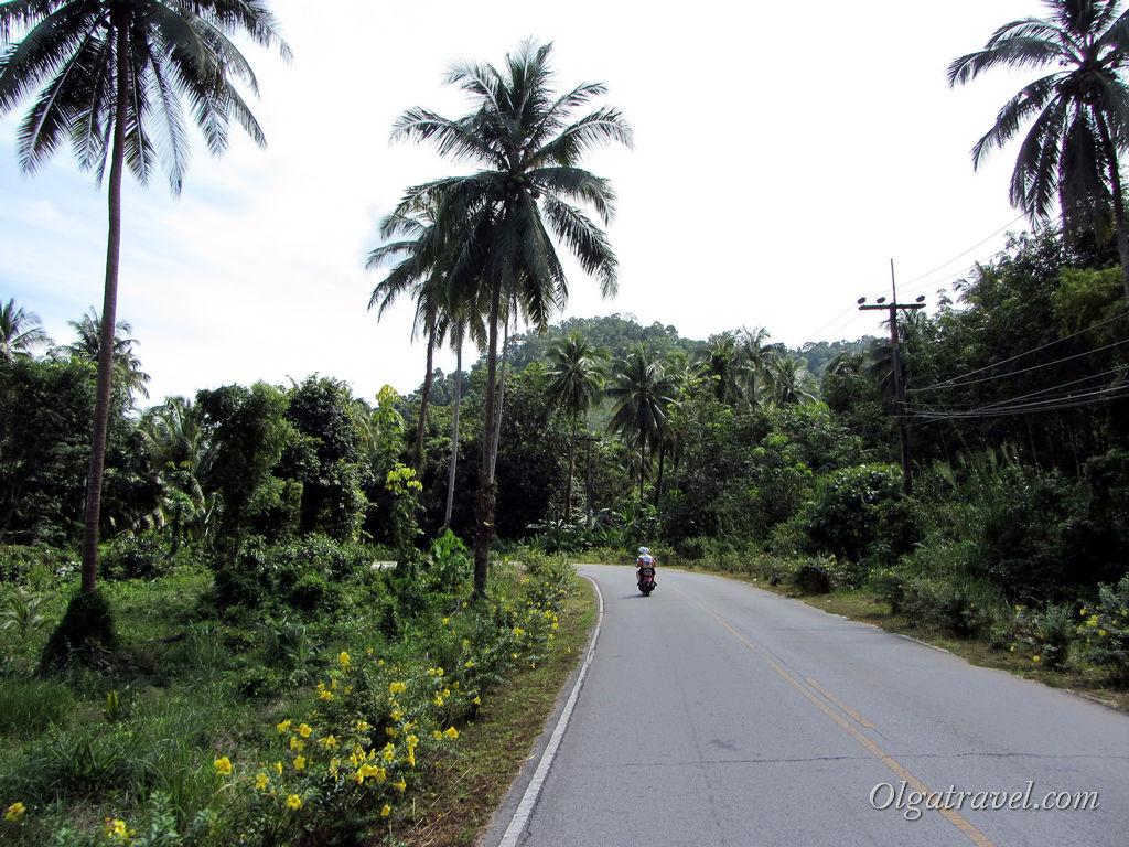 Ровный пустые дороги восточного побережья острова Ко Чанг