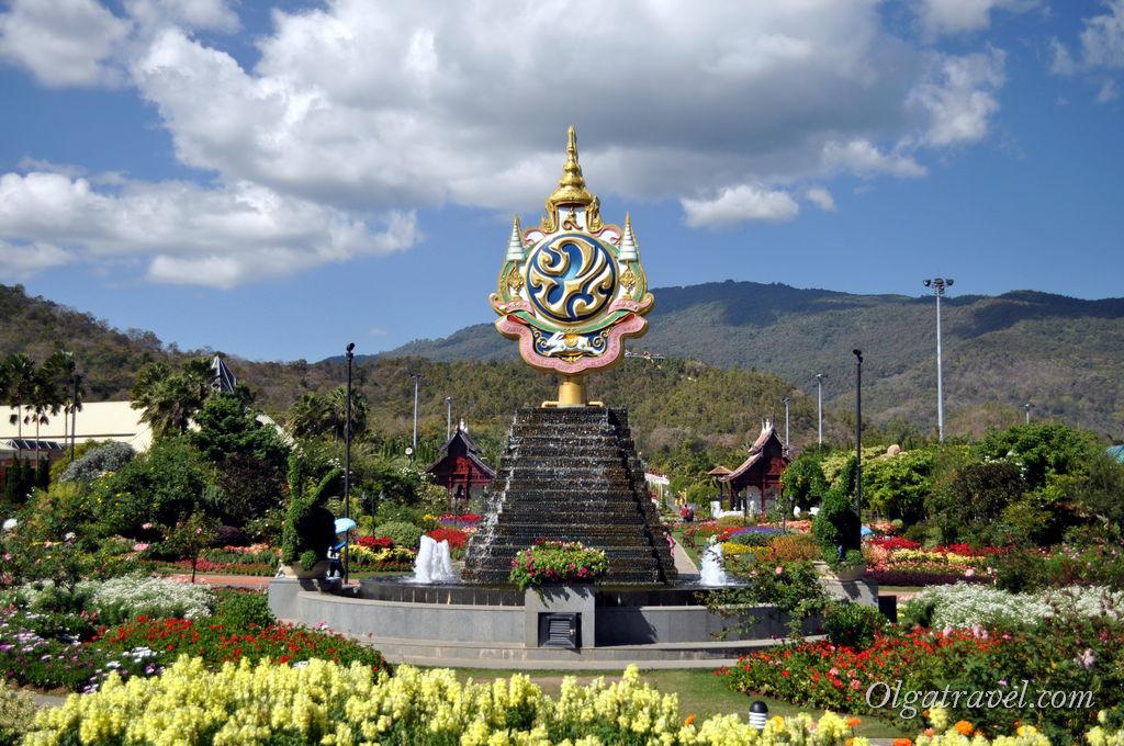 То ли памятник, то ли фонтан. На карте описание только на тайском языке