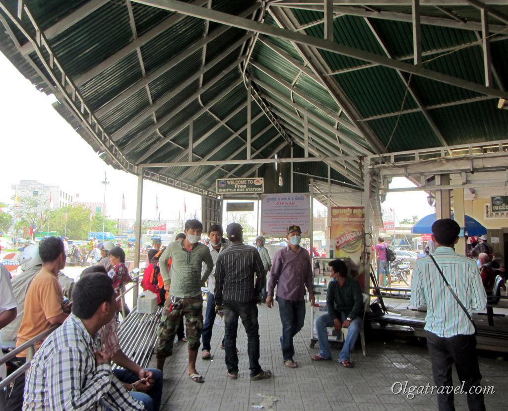 Мини автостанция с бесплатным автобусом на большую автостанцию города Пойпет