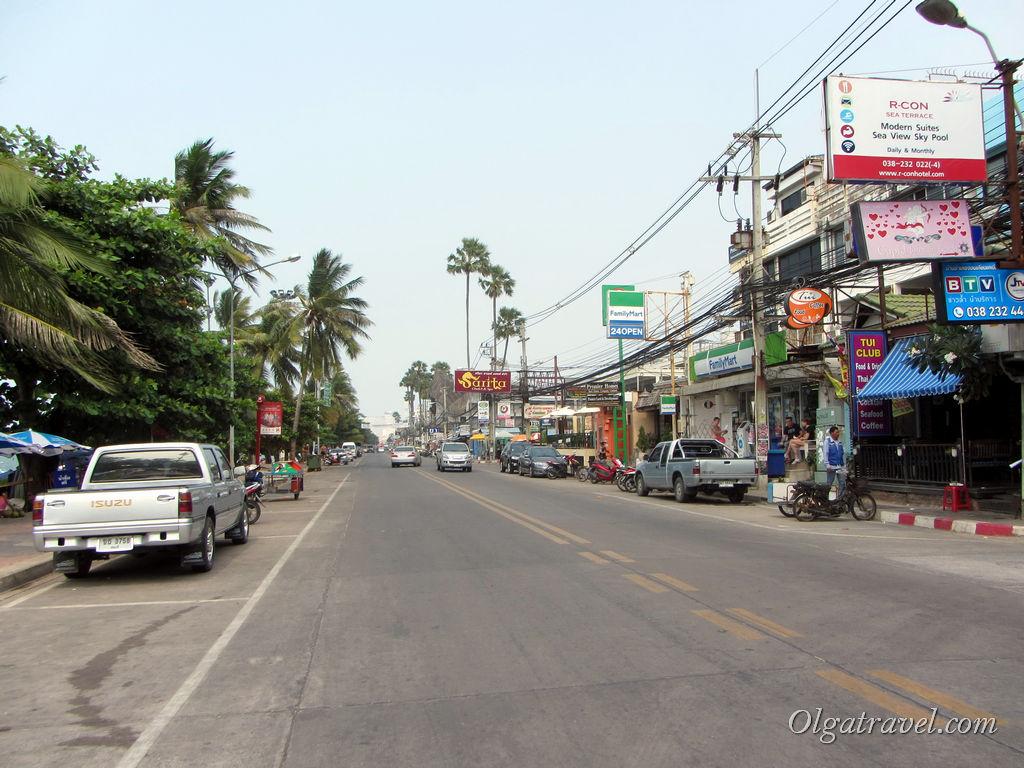 Улица вдоль пляжа Джомтьен