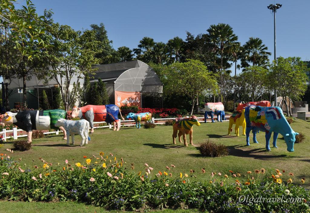 Голландия представлена в парке лучше всех! Коровки пасутся