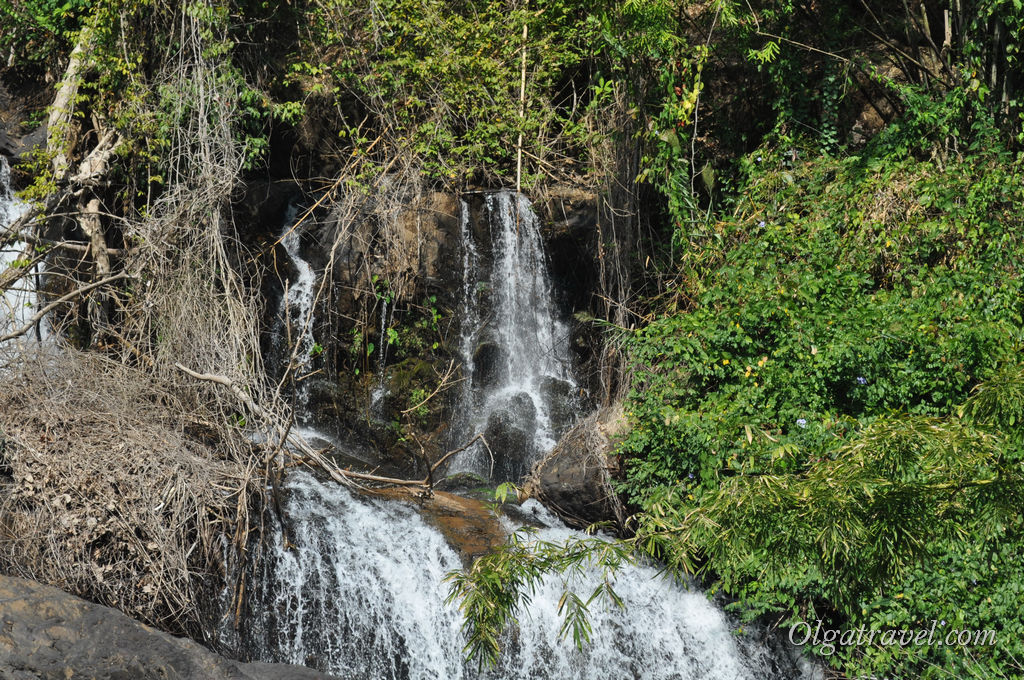 Бесплатный водопад Pha Suea Waterfall возле Мае Хонг Сон