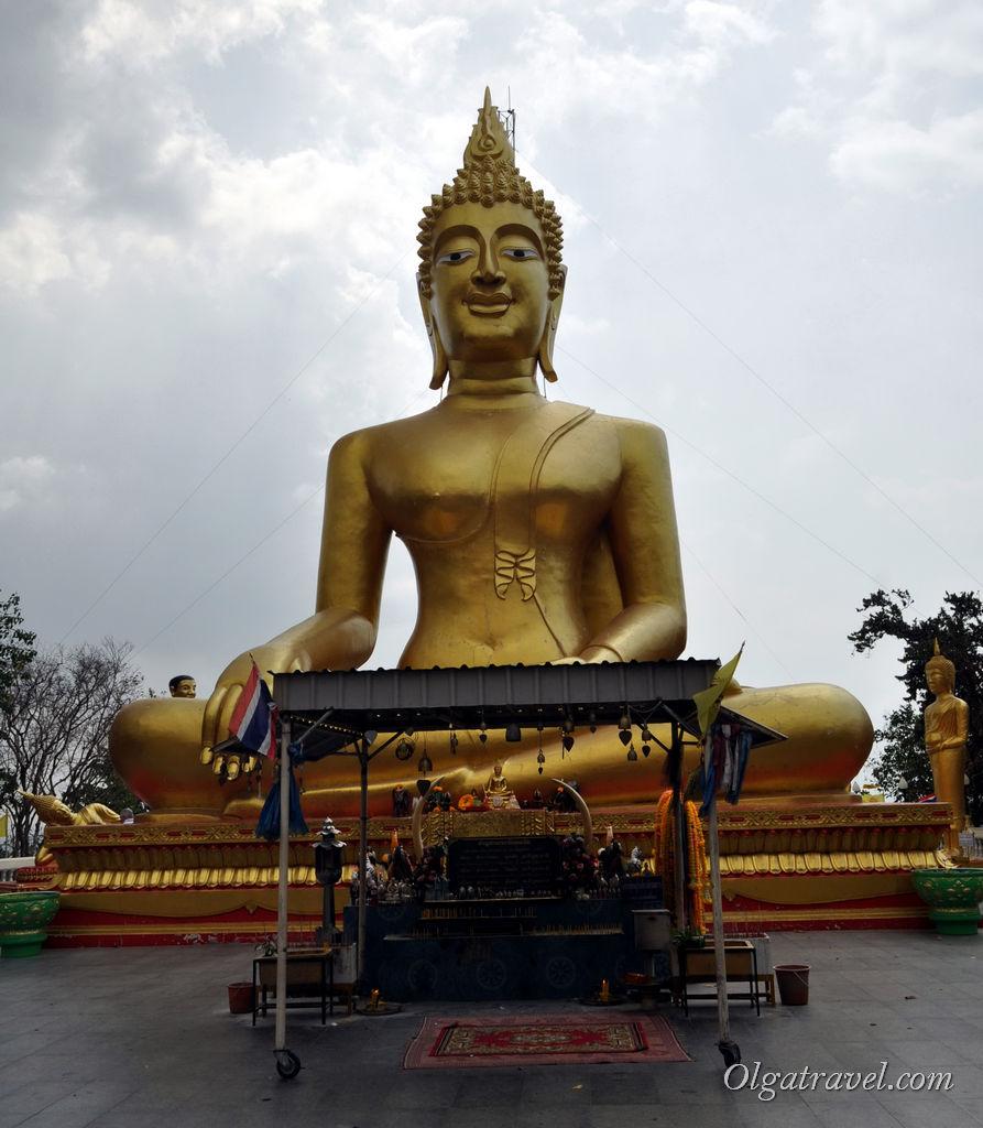 Большой Будда в Паттайе в районе Пратамнак
