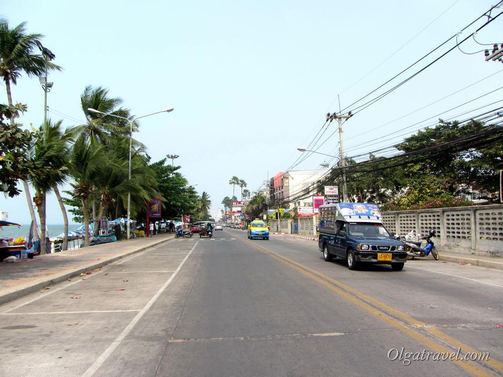 Дорога вдоль пляжа Джомтьен