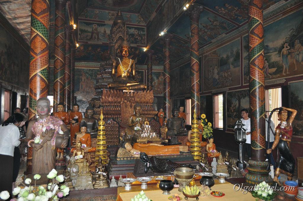 Внутри пагоды Ват Пном