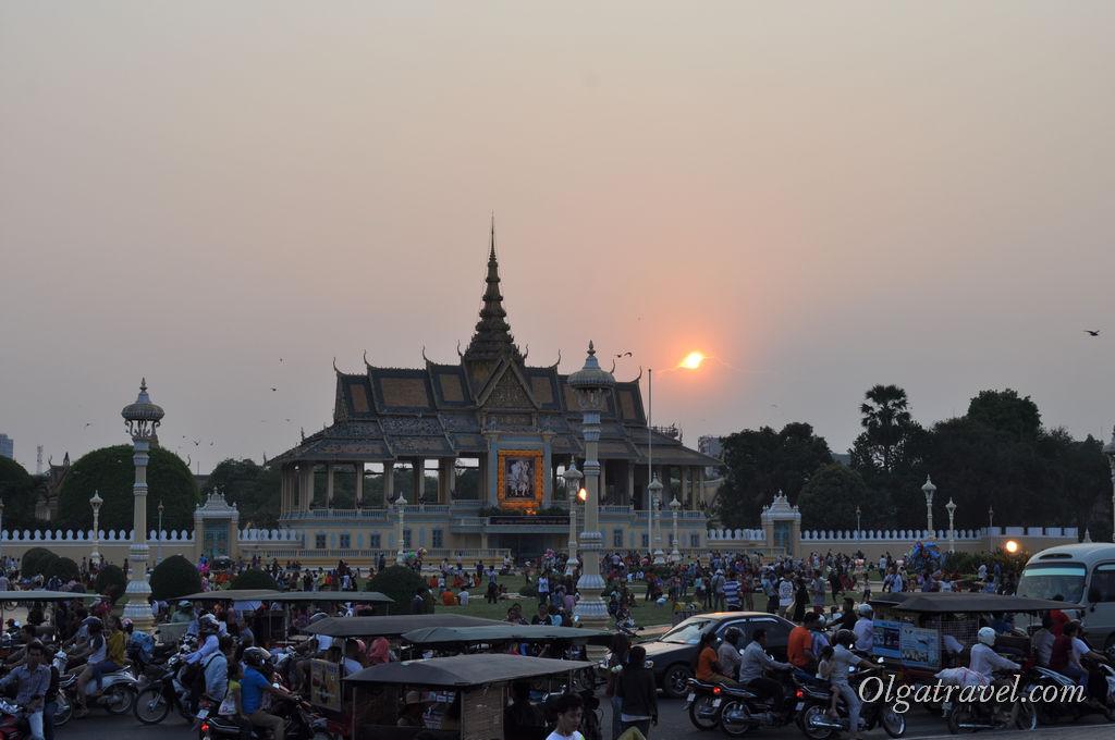 Последний закат в Камбодже