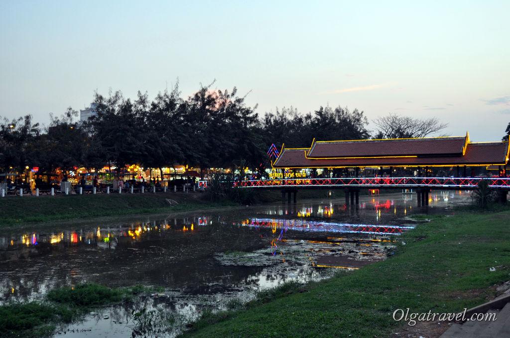 Вечером возле реки