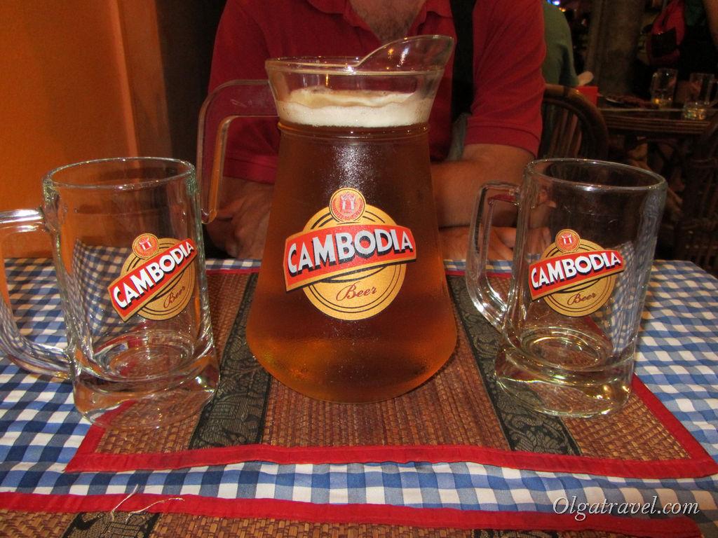 Неплохое разливное пиво Анкор и Камбоджа