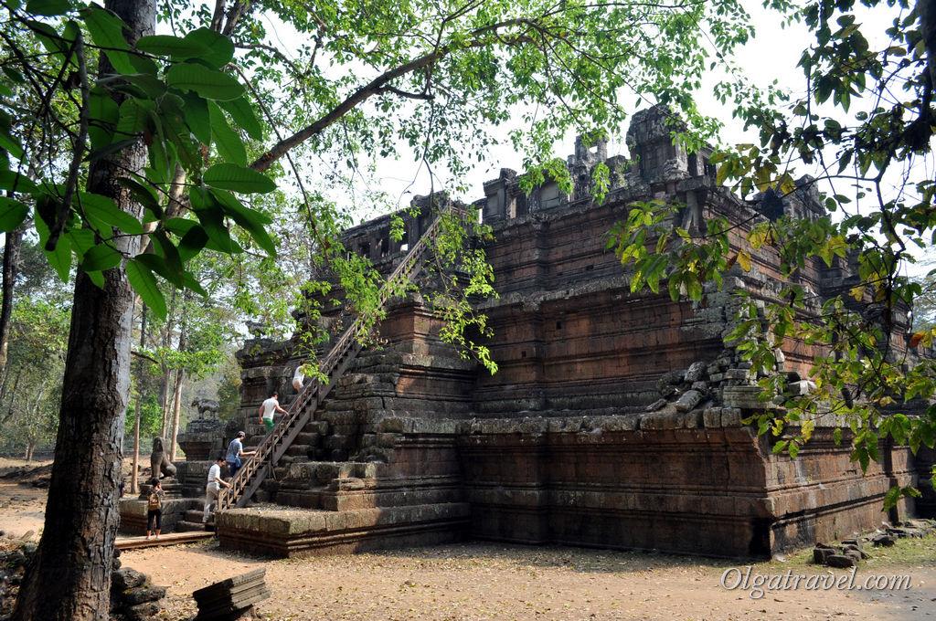 Храм Пхимеанакас