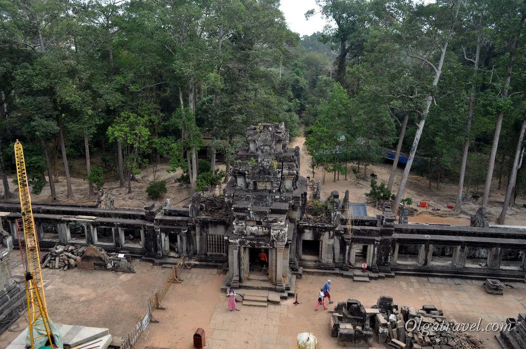 Храм Та Кео - сейчас в нем идет масштабная рестоврация