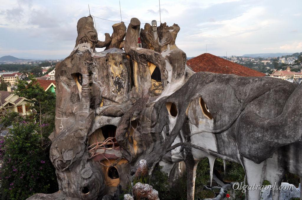 Крейзи Хаус - необычный дом в форме дерева