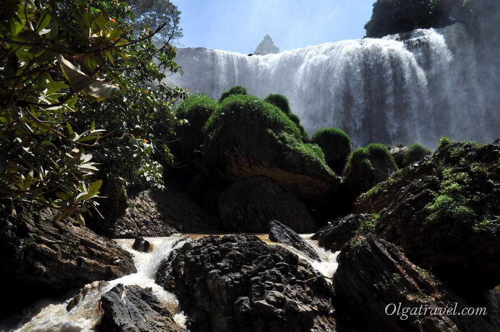 Dalat-elephant-waterfall-12
