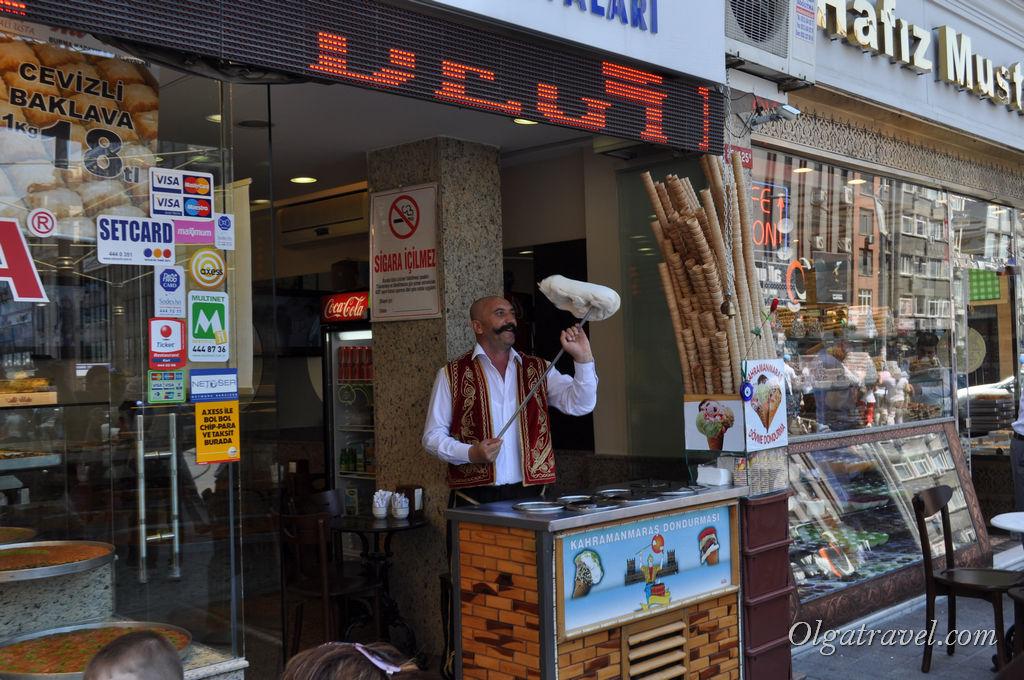 Продавец мороженого в Стамбуле