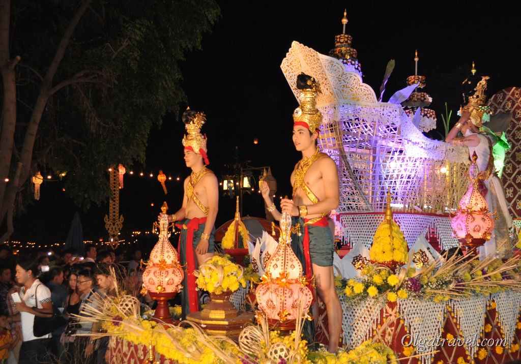 Chiang_Mai_Loi_Kratong_41-1
