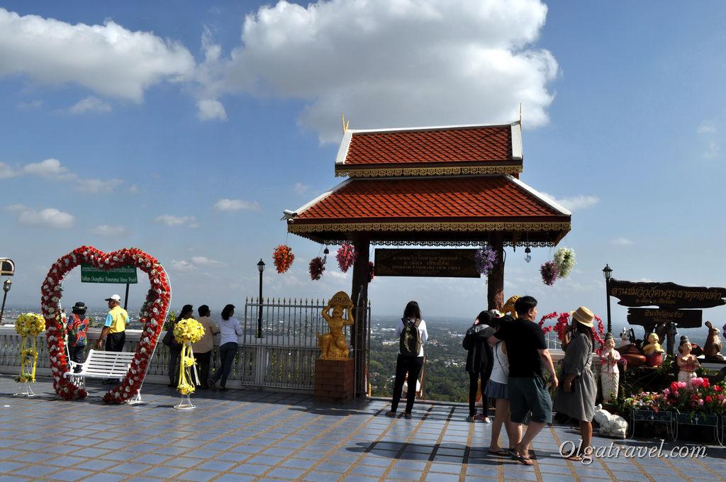храм Дой Кхам Чианг Май