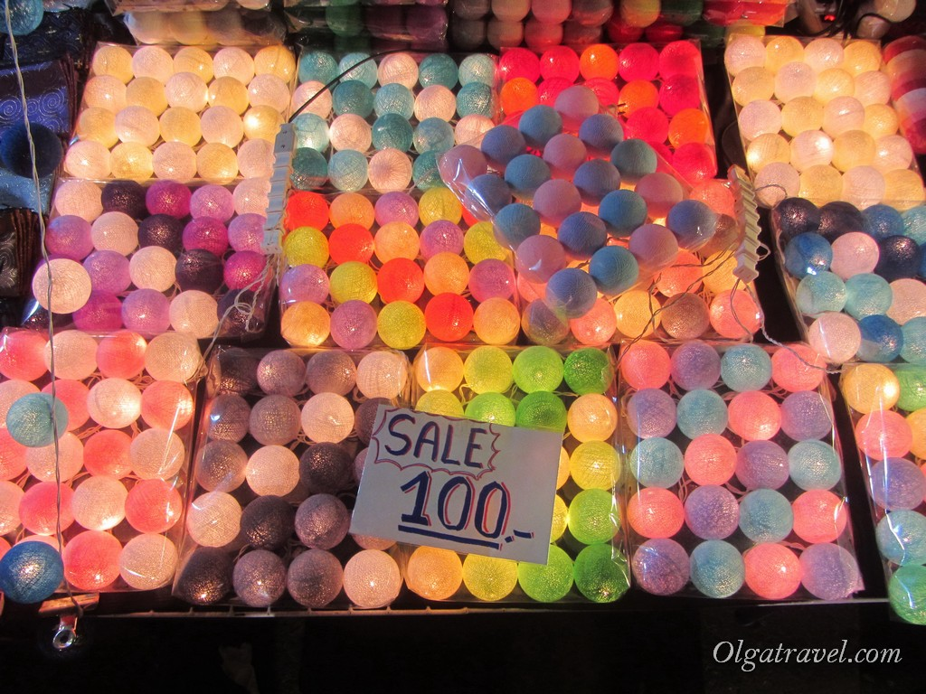 Chiang_mai_sunday_market_33