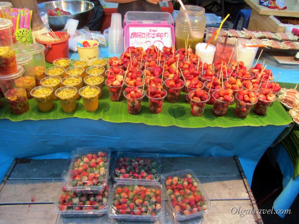 воскресный рынок чианг май