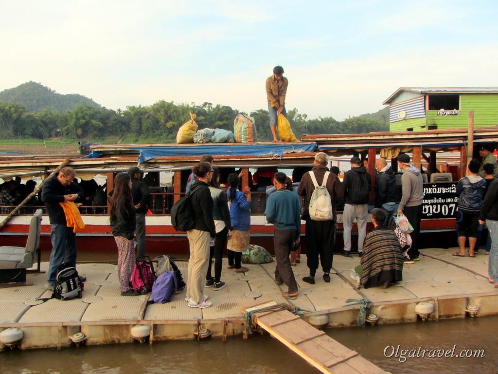 Лаос Луанг Прабанг лодка