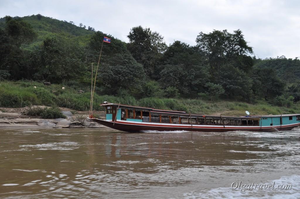 Медленная лодка по Меконгу