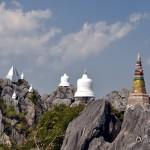 Wat Phrabat Pu Pha Daeng – храм на скале возле Лампанга и Чианг Мая