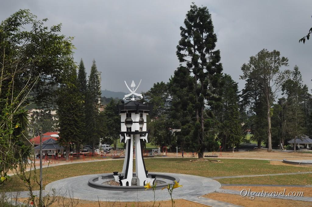 Центральная площадь поселка Танах Рата