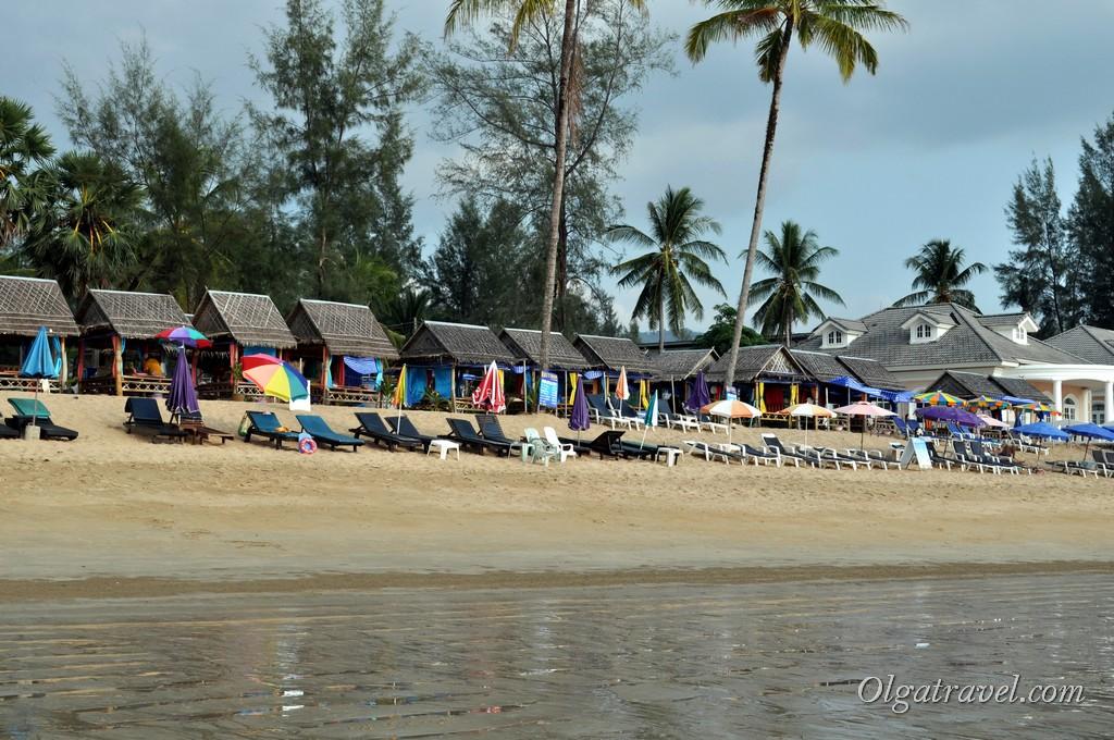 Банг Нианг пляж лежаки