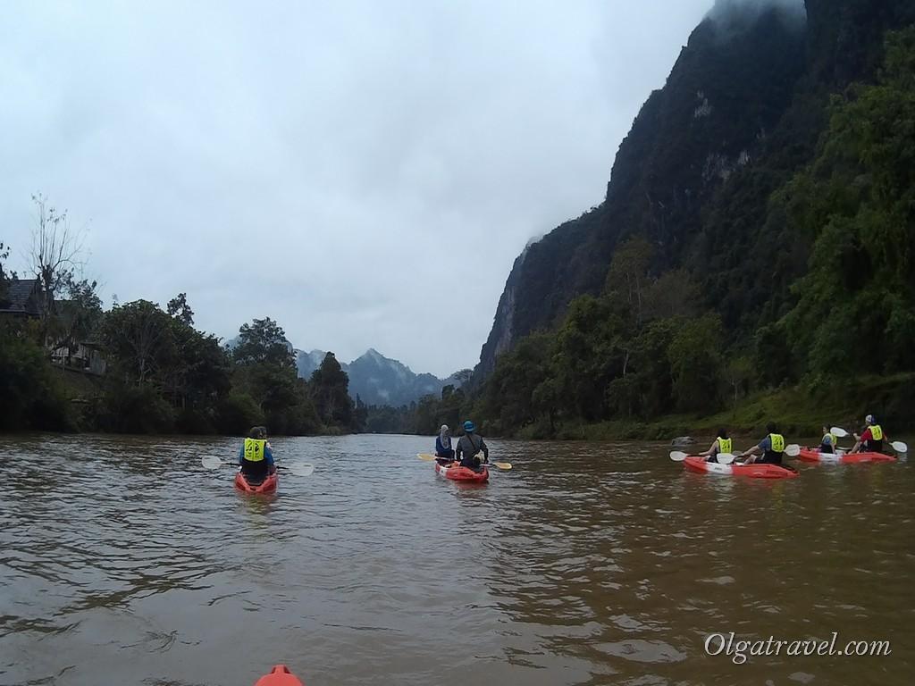 Laos_Vang_Vieng_kayaking_16