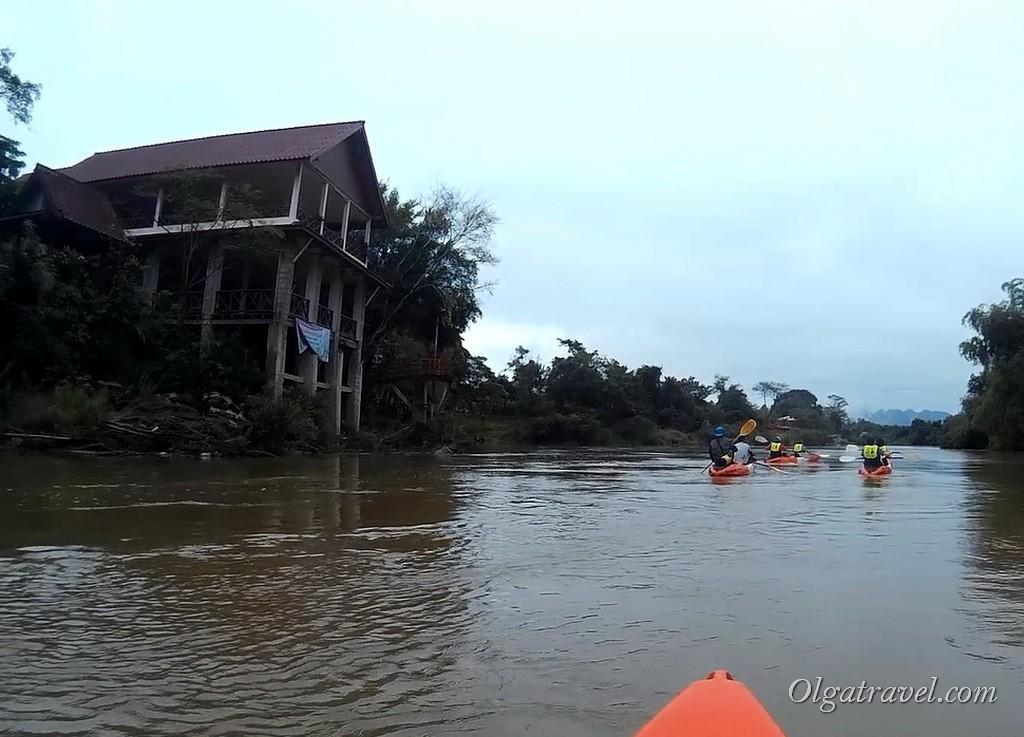 Laos_Vang_Vieng_kayaking_20
