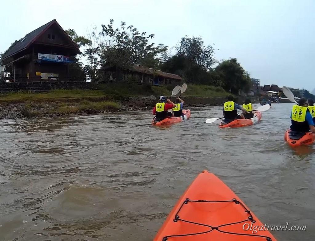 Laos_Vang_Vieng_kayaking_26