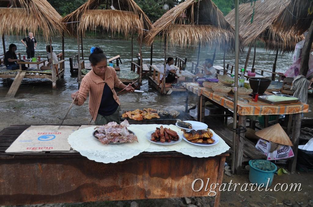 Еда в Ванг Вьенг