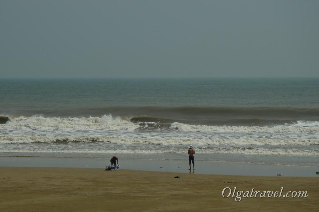 Море в Вунгтау мягко сказать не очень чистое ...