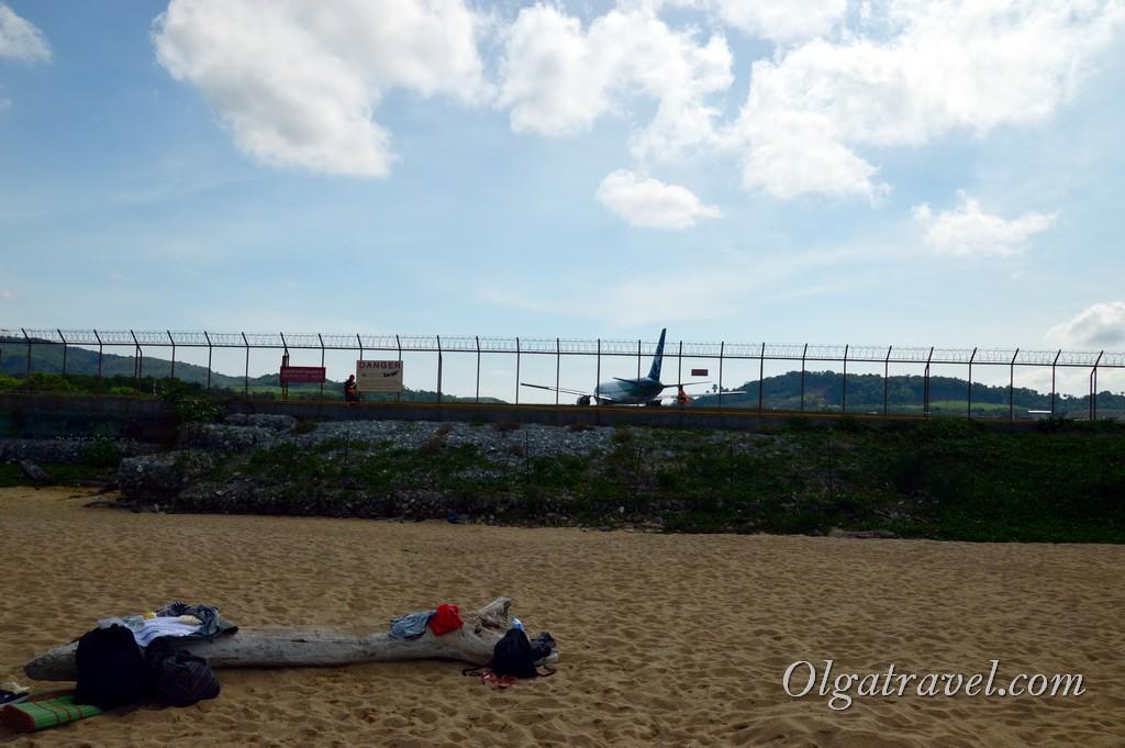 пляж на Пхукете где садятся самолеты
