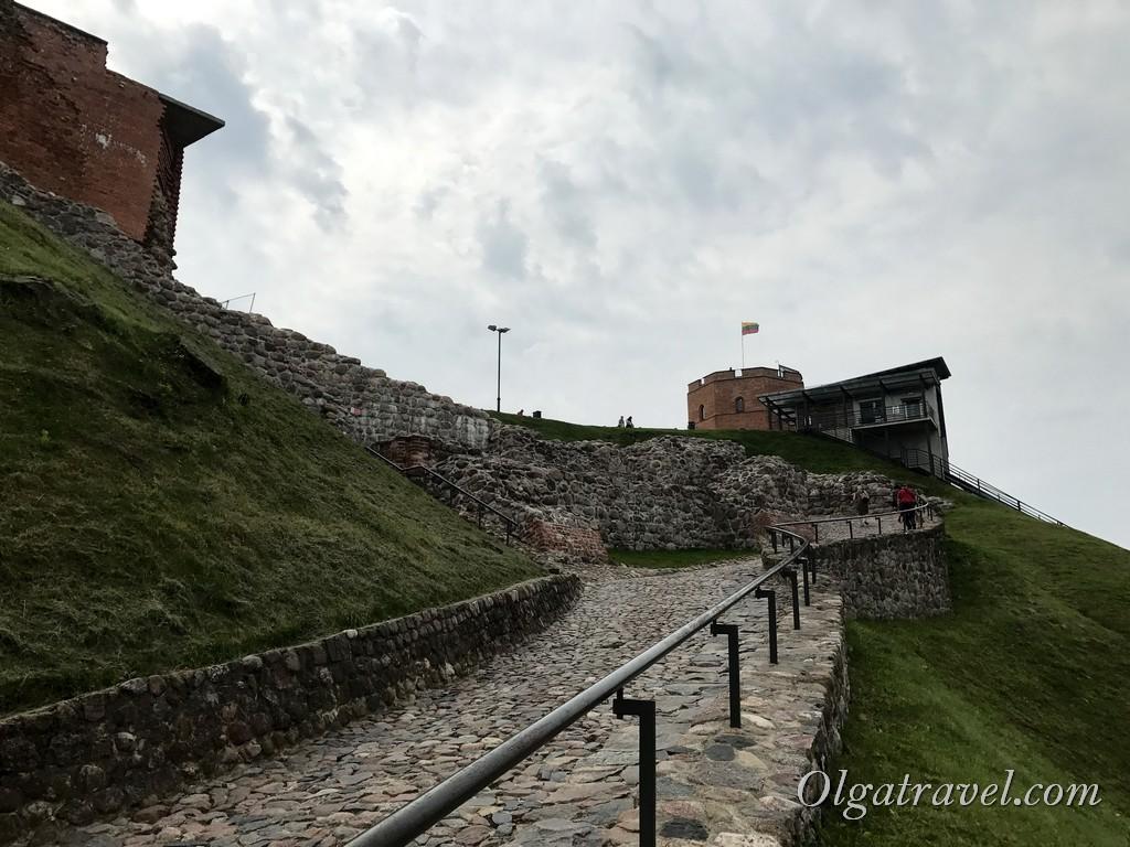 замковая гора и башня Гедимина