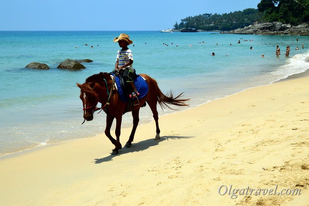 развлечения на пляже Сурин