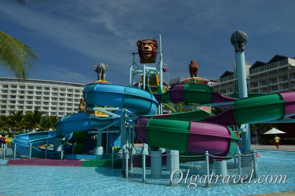 VinOasis Phu Quoc Resort аквапарк